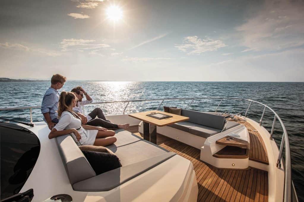 Ferretti Yachts 720 01