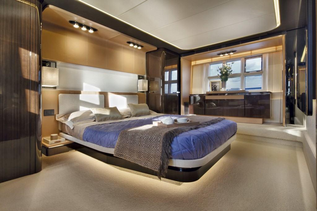 Azimut 77S VIP kabina
