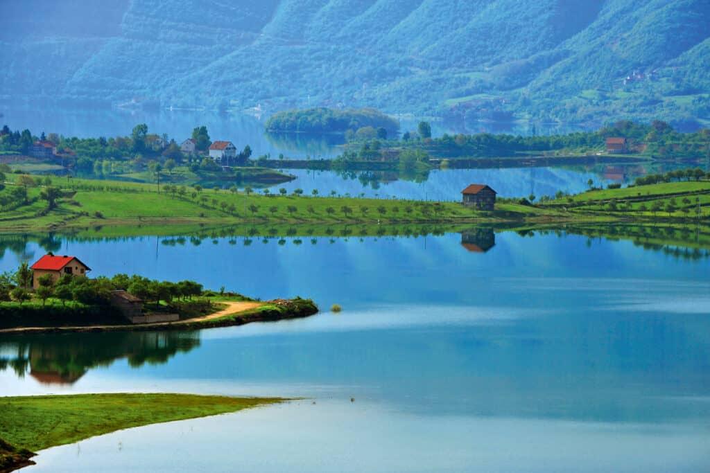 Ovo je fotografija jezera, Hercegovina
