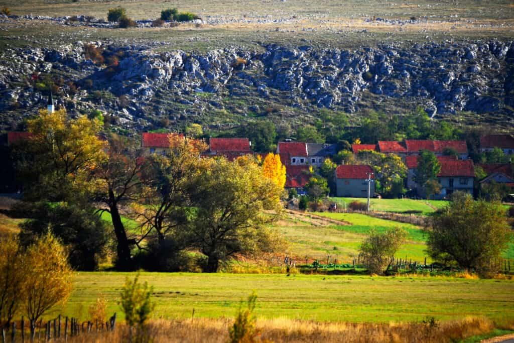Ovo je fotografija polja, Hercegovina