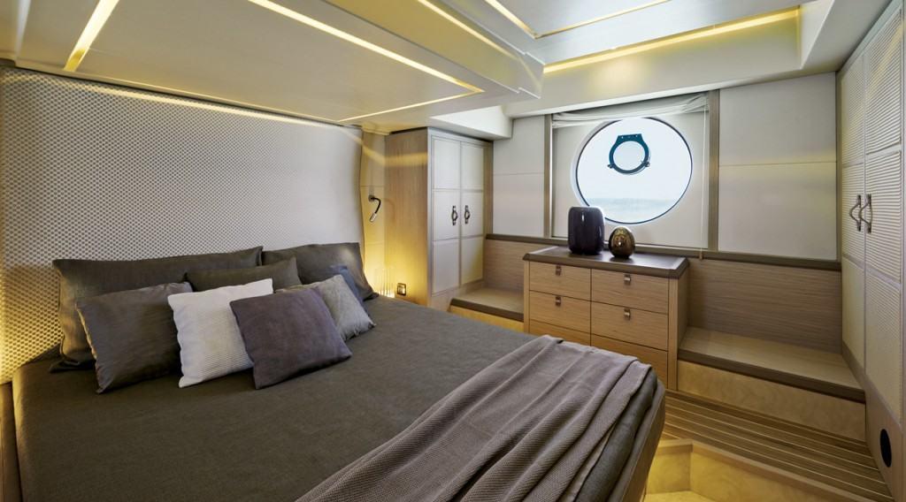 Beneteau yacht full beam master cabin