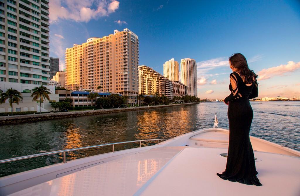 Fleet Miami je svojevrsni klub s brodovima u lukama u Miamiju, Washingtonu, Novoj Engleskoj, New Yorku i na Sredozemlju