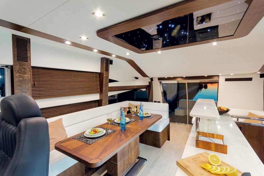 Galeon 660 fly - interior