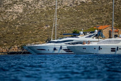 Yacht Pool Boris Kacan Photo