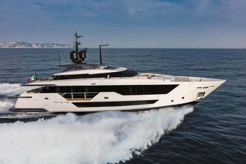 Ferretti Group Custom Line 106