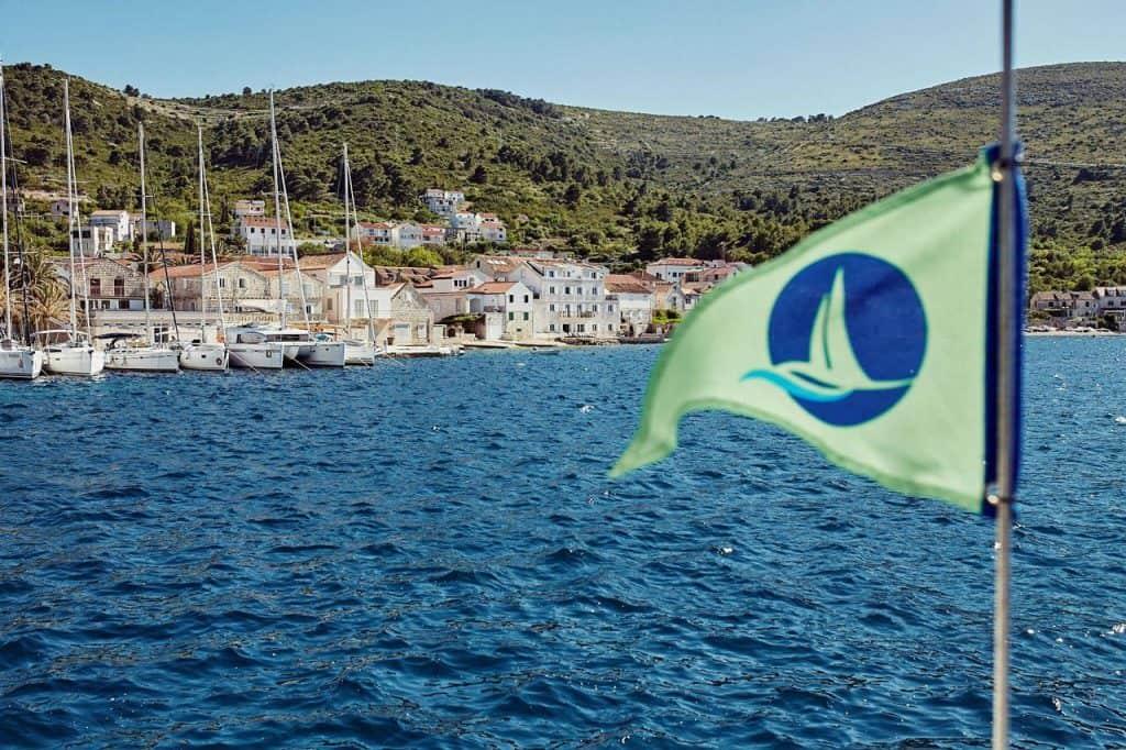 Green Sail 00