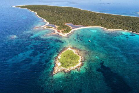 Ovo je fotografija otok Zeča sjeverni jadran