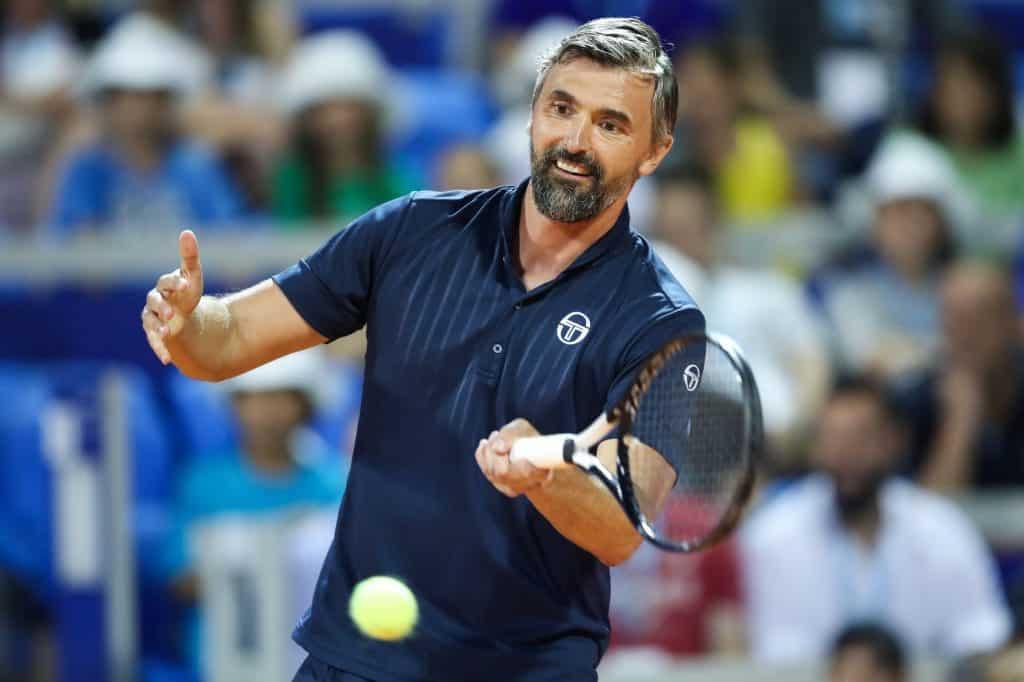 Goran Forehand 01