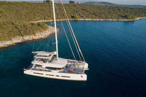 Last minute charter u HrvatskojLagoon-01