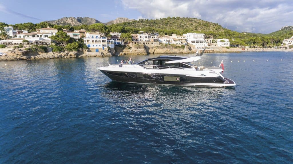 Sunseeker Predator 74 Side View 01