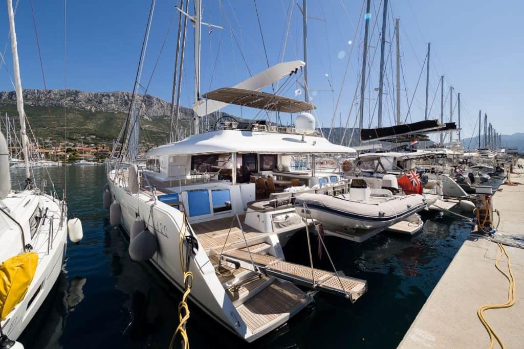 Last minute čarter u Hrvatskoj - Lagoon 620 Tvin