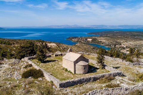 Otok Brac Pogled Splitska Vrata 01
