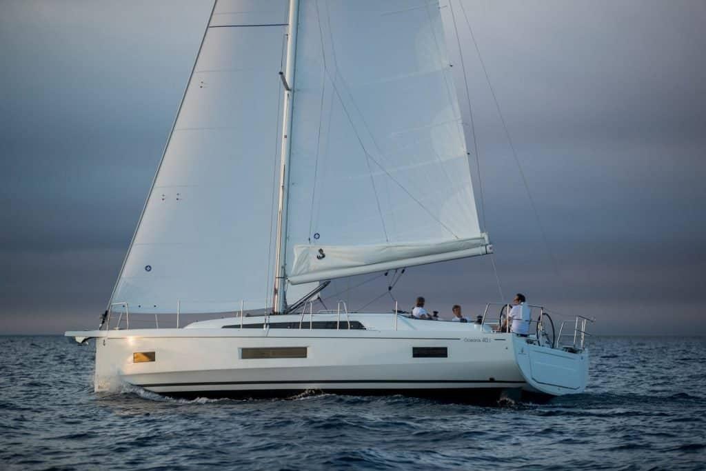 Beneteau Oceanis 40 nove jedrilice