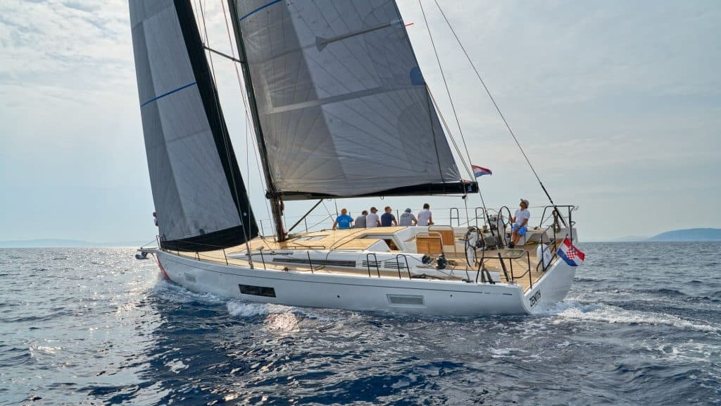 First 53 Yacht Jedrenje 01