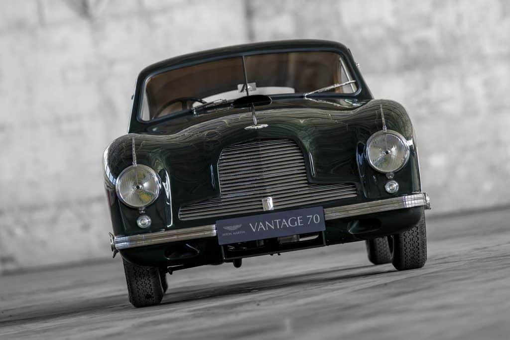 Aston Martin DB2 Vantage 01