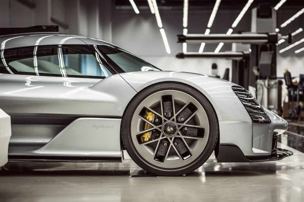 This is a photograph of a Porsche 919 Street Wheel 01
