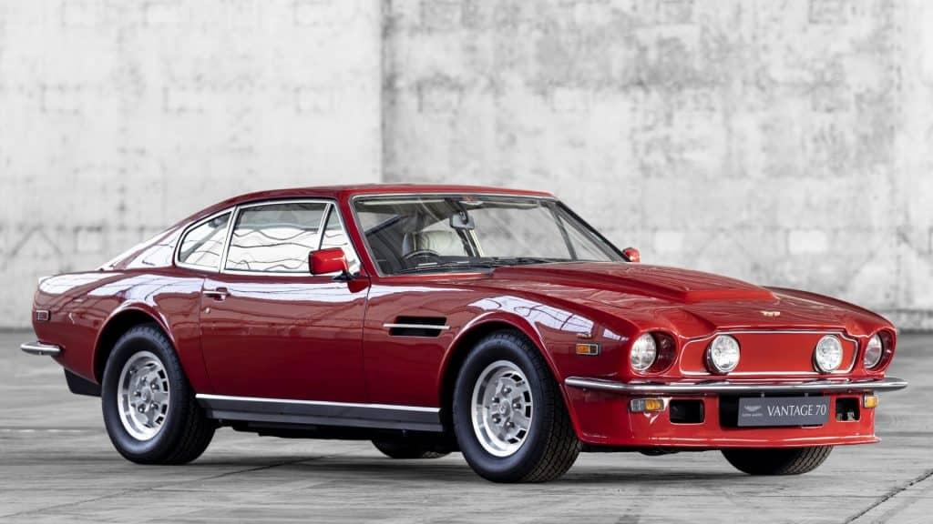 Aston Martin V8 Vantage 01