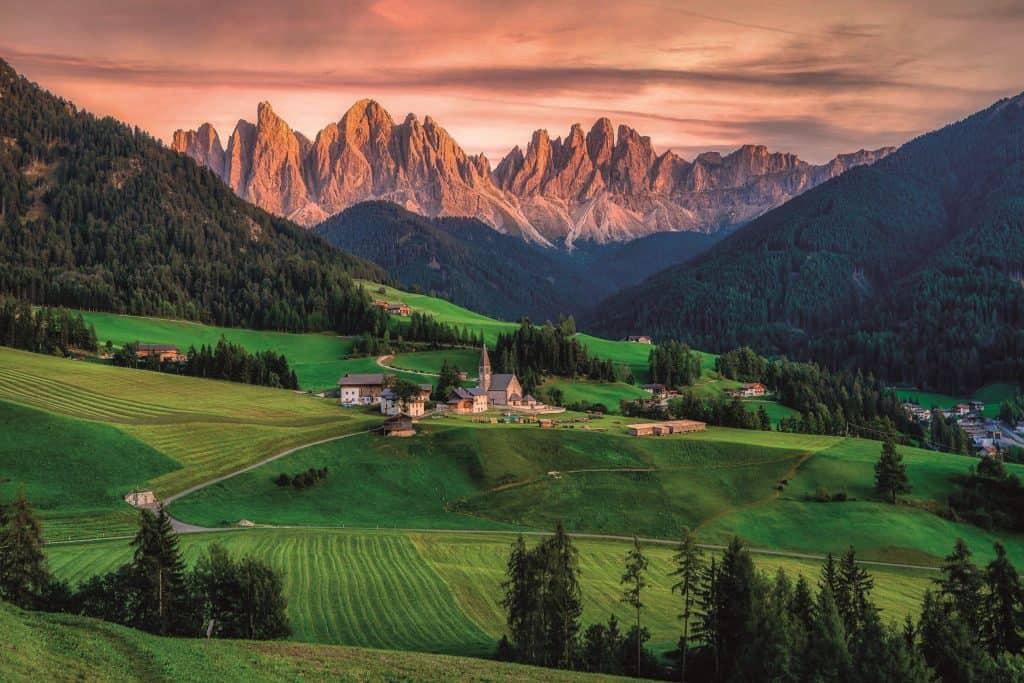 Ovo je panoramska slika Dolomita