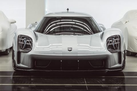 This is a photograph of a Porsche 919 Street Front 01