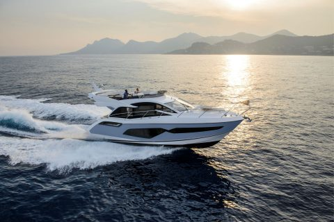 This is a photopgraph of Sunseeker  Manhattan 55 Cruising