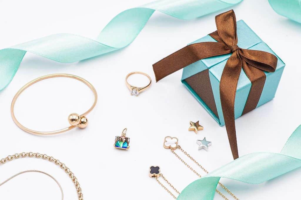 Ovo je fotografija Tiffany Pokloni Nakit 00