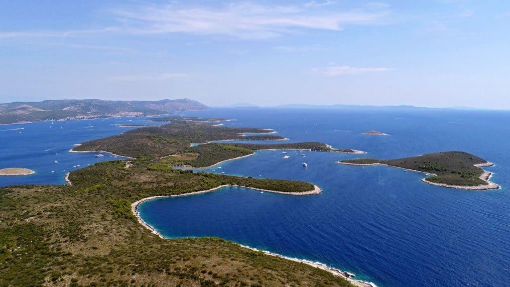 Ovo je slika Luka Soline Dobri Otok 01