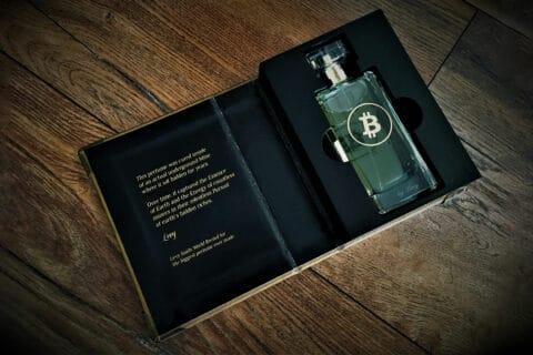 Ovo je fotografija Bitcoin parfema