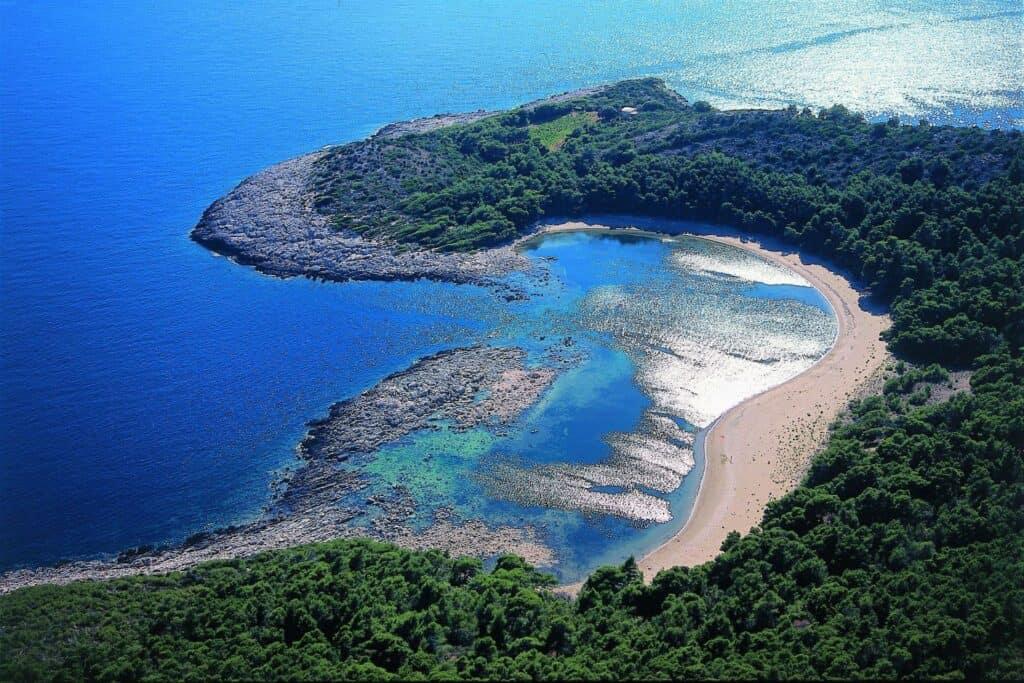 Ovo je fotografija Plaza Limuni otok Mljet