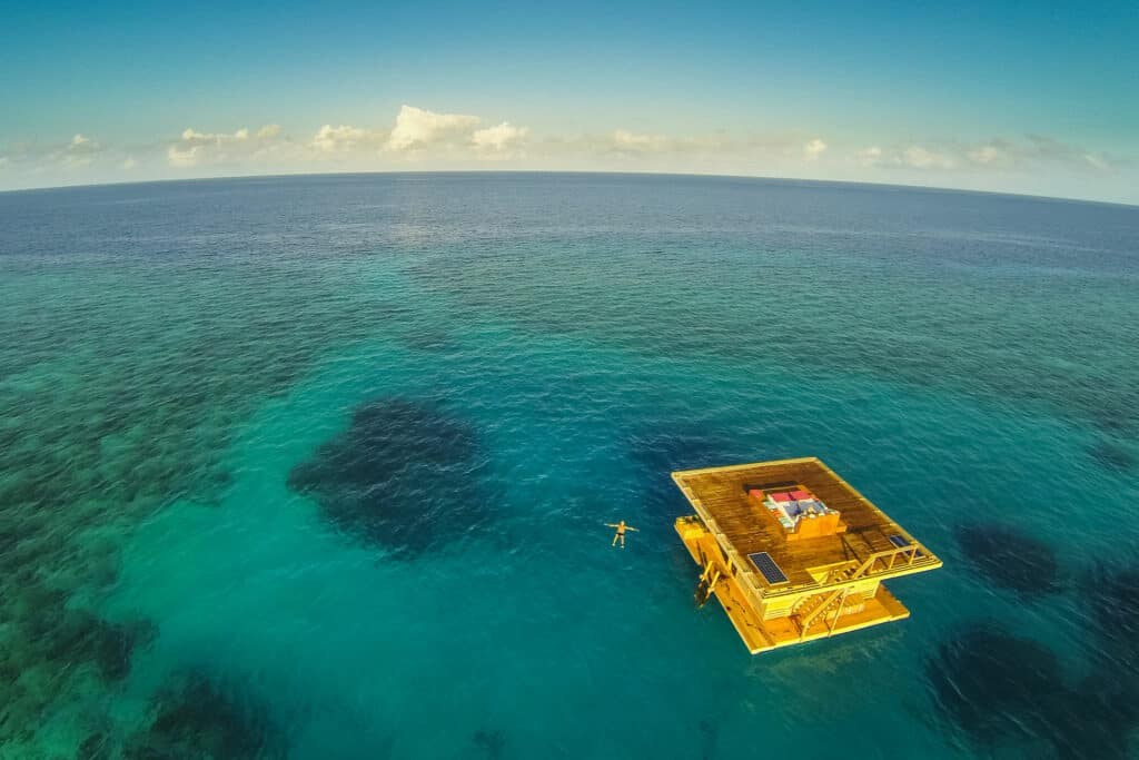 Ovo je fotografija Manta Resorta podvodni hoteli