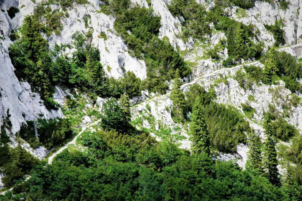 Ovo je fotografije planinarske staze na Velebitu koju je projektirao Ante Premužić