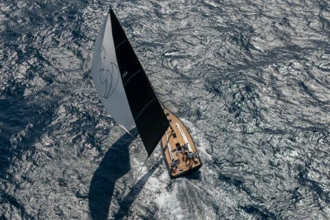 Ovo je fotografija Beneteau First Yacht 53