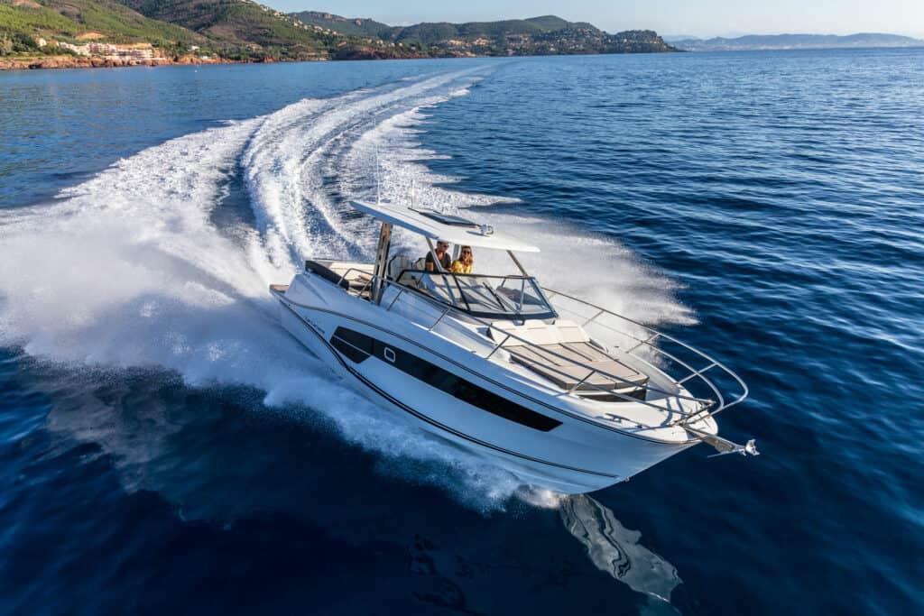 Ovo je fotografija Cap Camarat 10.5 WA zastupnik Euromarine