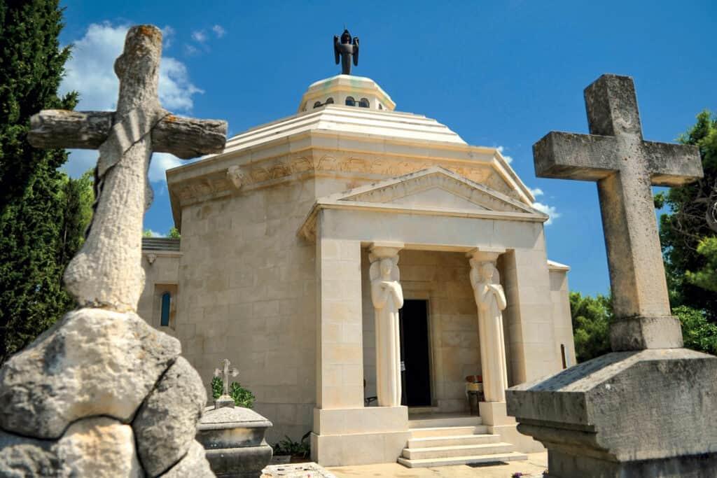 Ovoje fotografija Cavtat mauzolej obitelji Račić