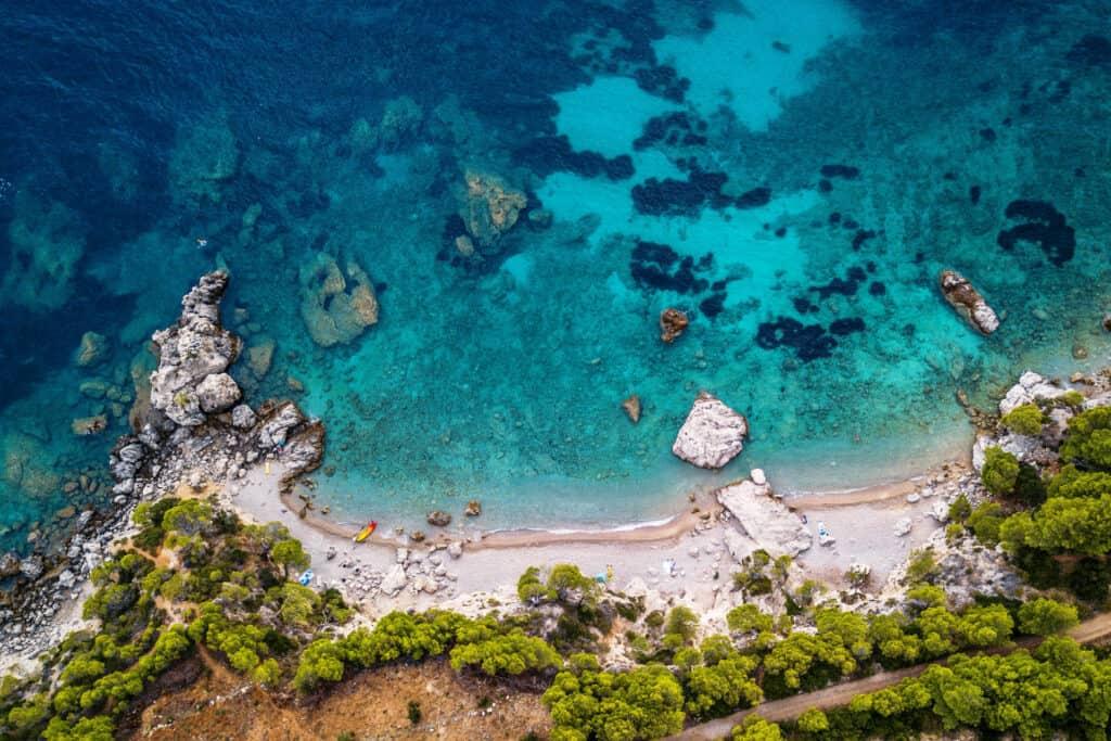 Ovo je fotografija plaža Žuljana na Pelješcu