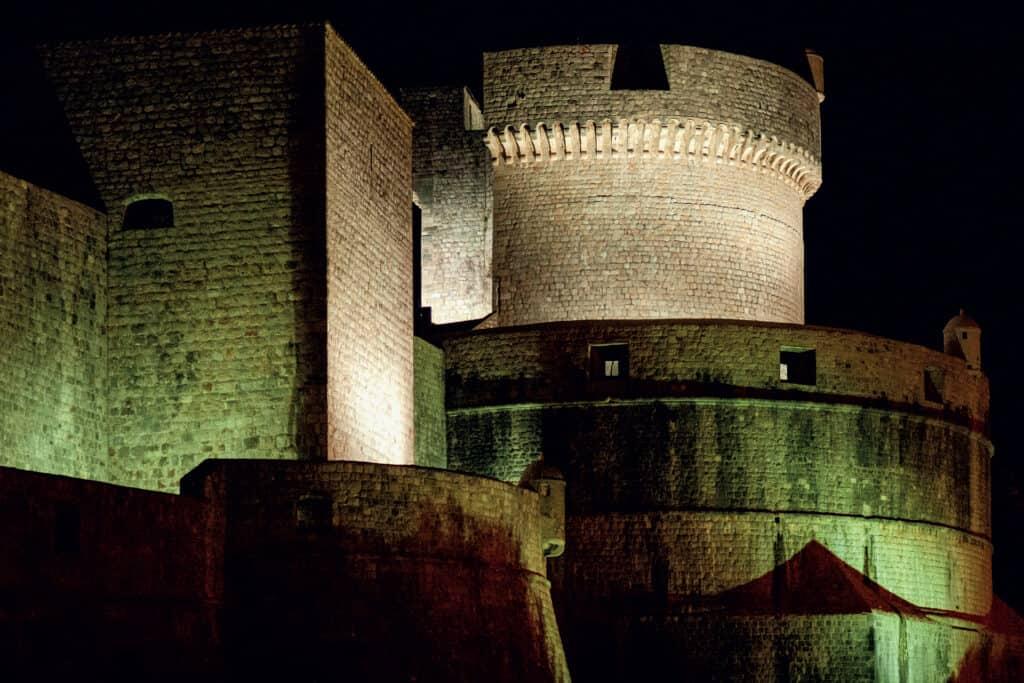 ovo je fotografija tvrđava Minčeta Dubrovnik