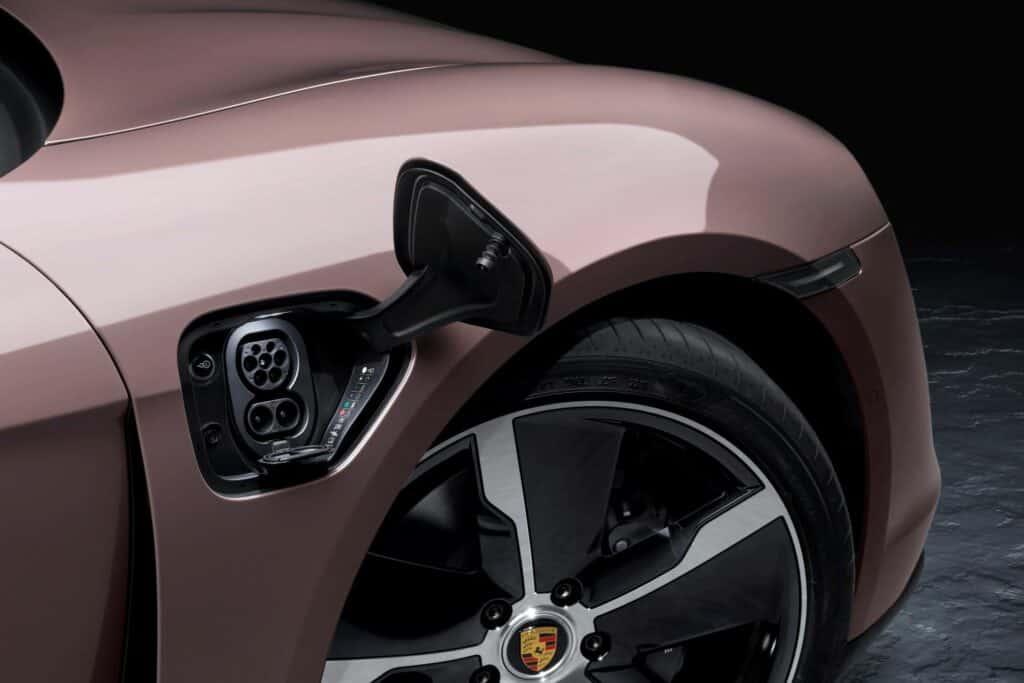 Ovo je fotografija električnog Porschea