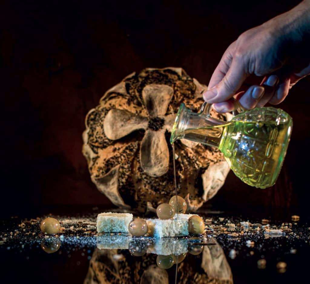 Ovo je fotografija kruh s maslinovim uljem
