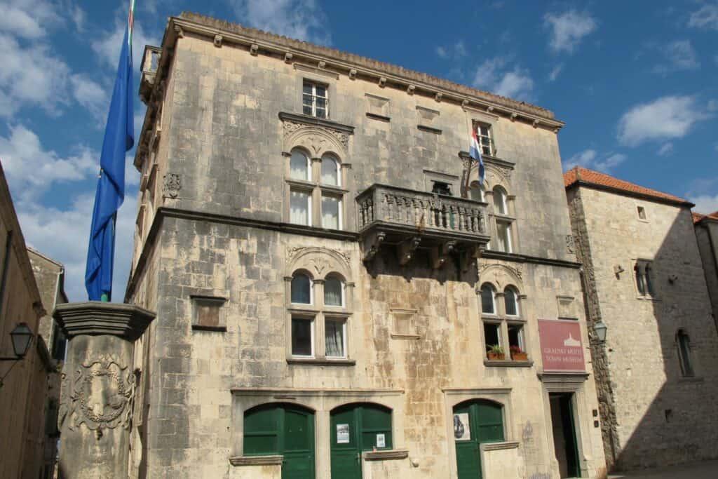 Ovo je fotografija gradski muzej Korčule muzeji na otocima