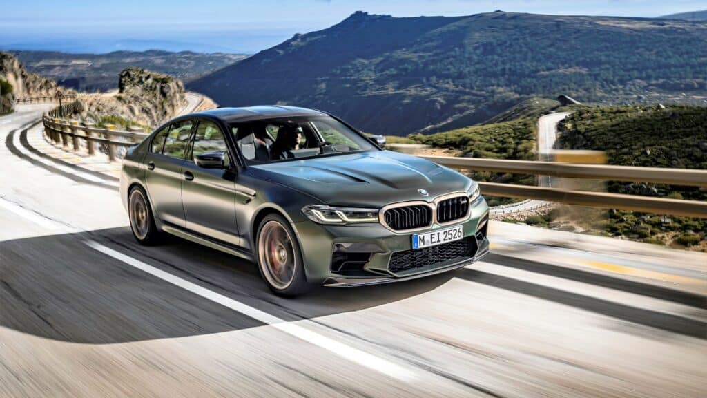 Ovo je fotografija novog BMW-a M5 CS