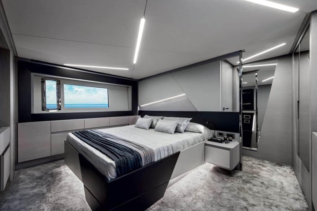 Ovo je fotografija vlasničke kabine na Pershingu 7X