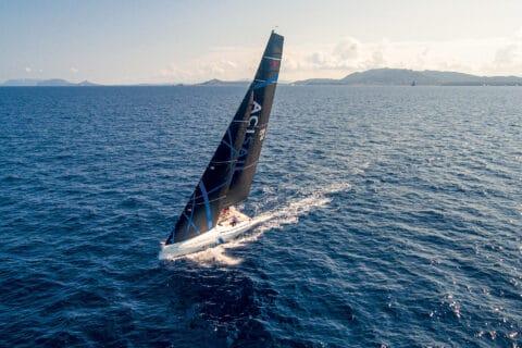 Ovo je fotografija jedrilice ClubSwan 36 u plovidbi