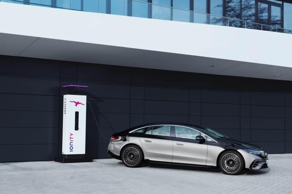 Ovo je fotografija električni Mercedes EQS