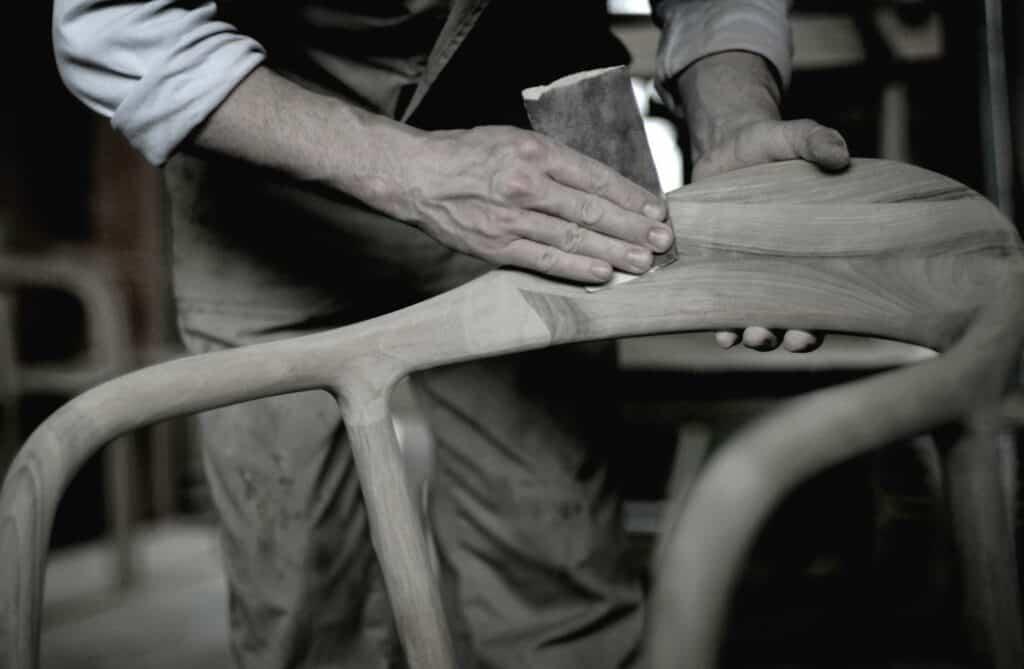 Ovo je fotografija tvornica namjestaja artisan