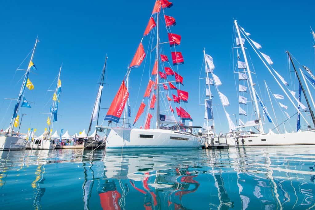 Ovo je fotografija Cann Yachting Festival jedrilice