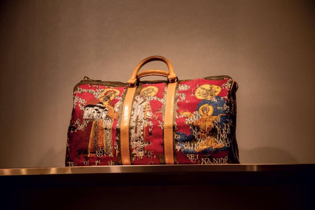 Ovo je fotografija Louis Vuitton unikatne torbe