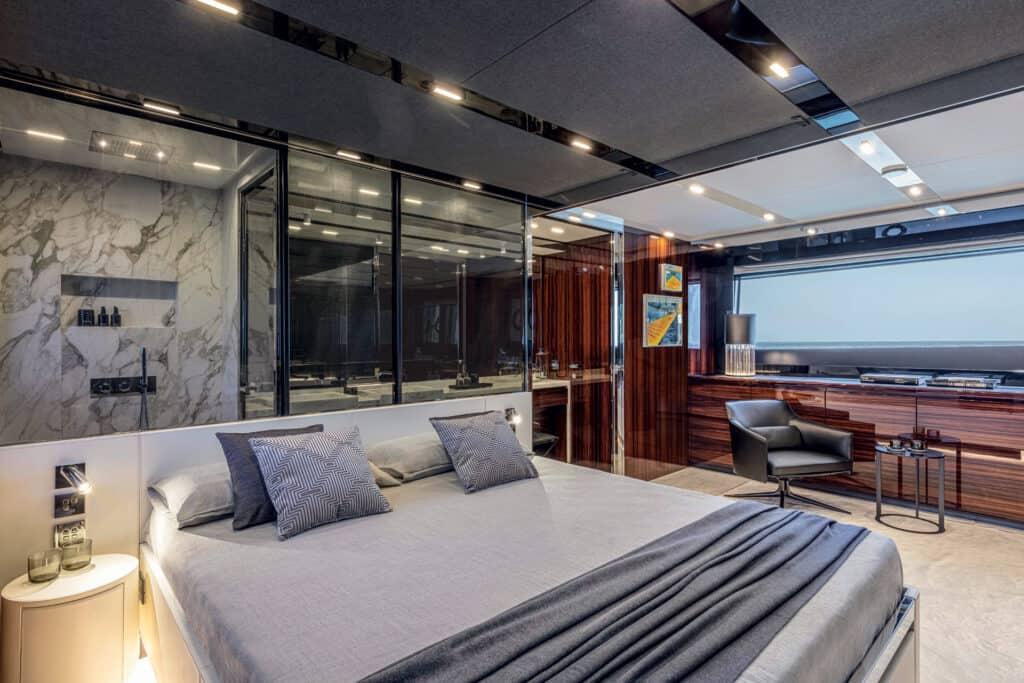 Ovo je fotografija vlasničke kabine na Riva 88 Folgore