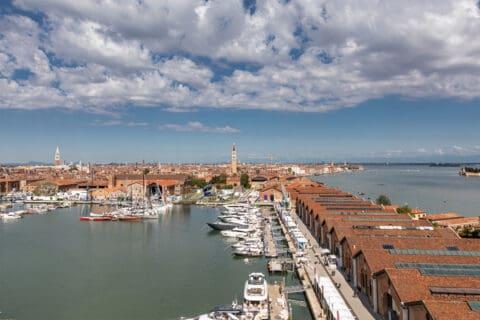 Ovo je fotografija Sajma brodova u Veneciji