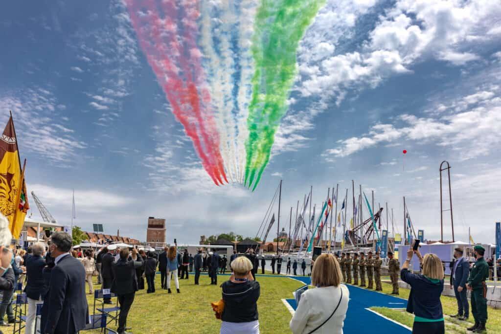Ovo je fotografija otvaranja sajma brodova u Veneciji