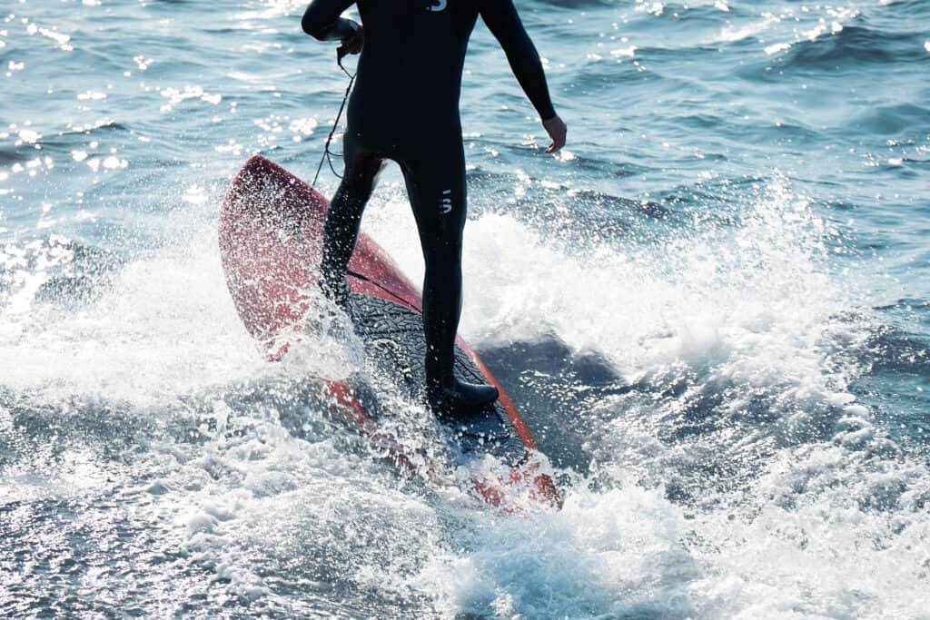 ovo je fotografija električna daska za surfanje Olo