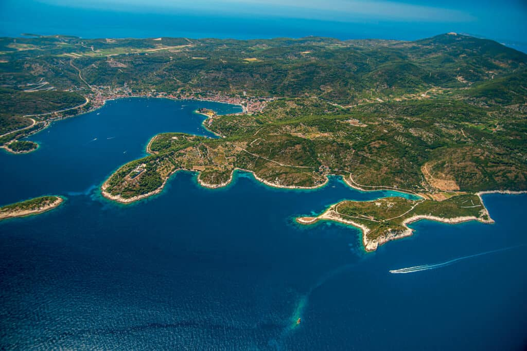 This is photography of Vis island